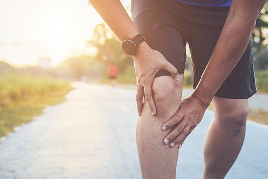 Arthrose : soulager la douleur de genou efficacement - Urgo Electrothérapie Tens